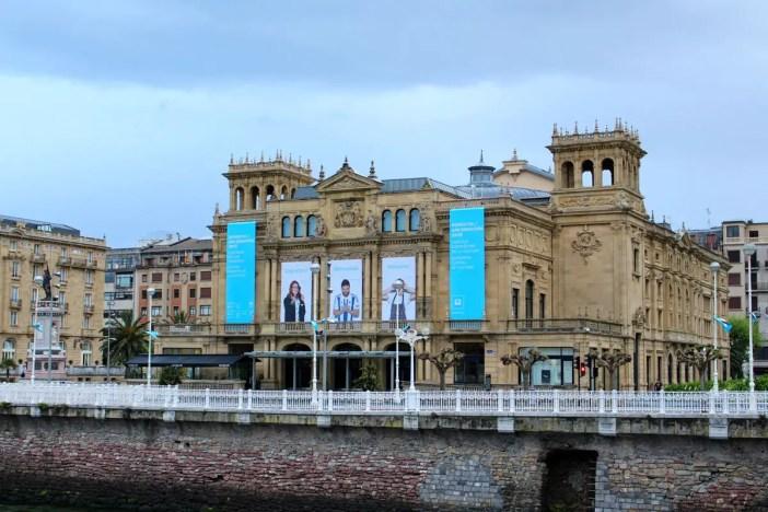 sehenswuerdigkeiten-san-sebastian-reisetipps-baskenland-reisetipps-spanien-belle-epoque-Theater-Victoria-Eugenia