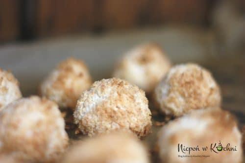 Wegańskie kokosanki z aquafaby