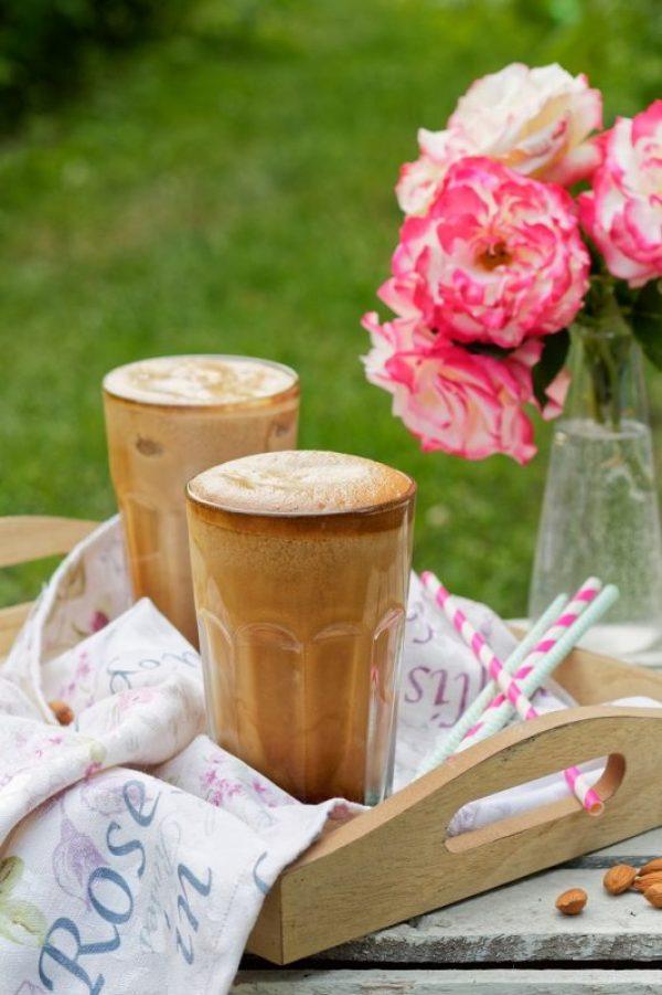 kawa frappe migdałowo waniliowa