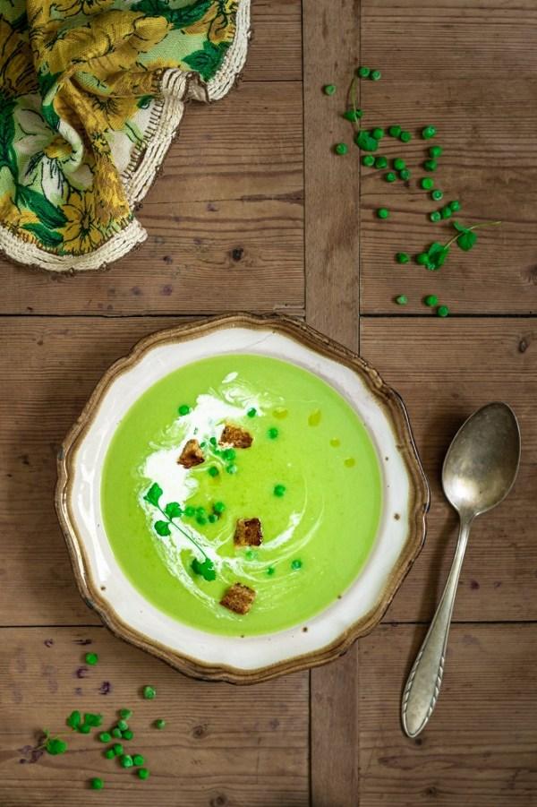 Zupa krem z zielonego groszku i ziemniaków