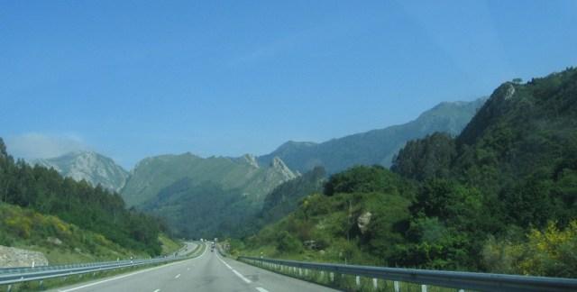 durch die Berglandschaft