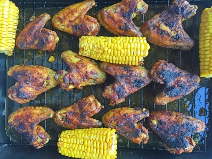 przepis na pieczone udka z kurczaka z kukurydzą i rzodkiewką
