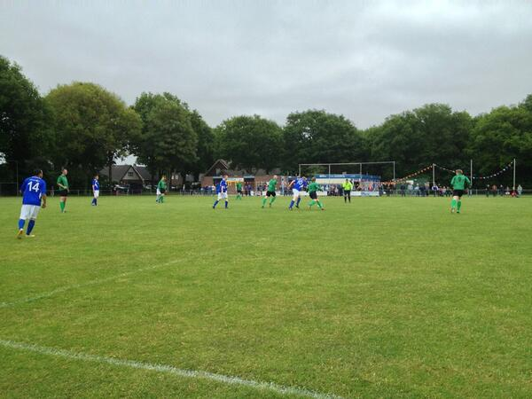Tussenstand 1-1 http://t.co/iaMGRN3cPr