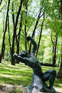 Rzeźba w parku