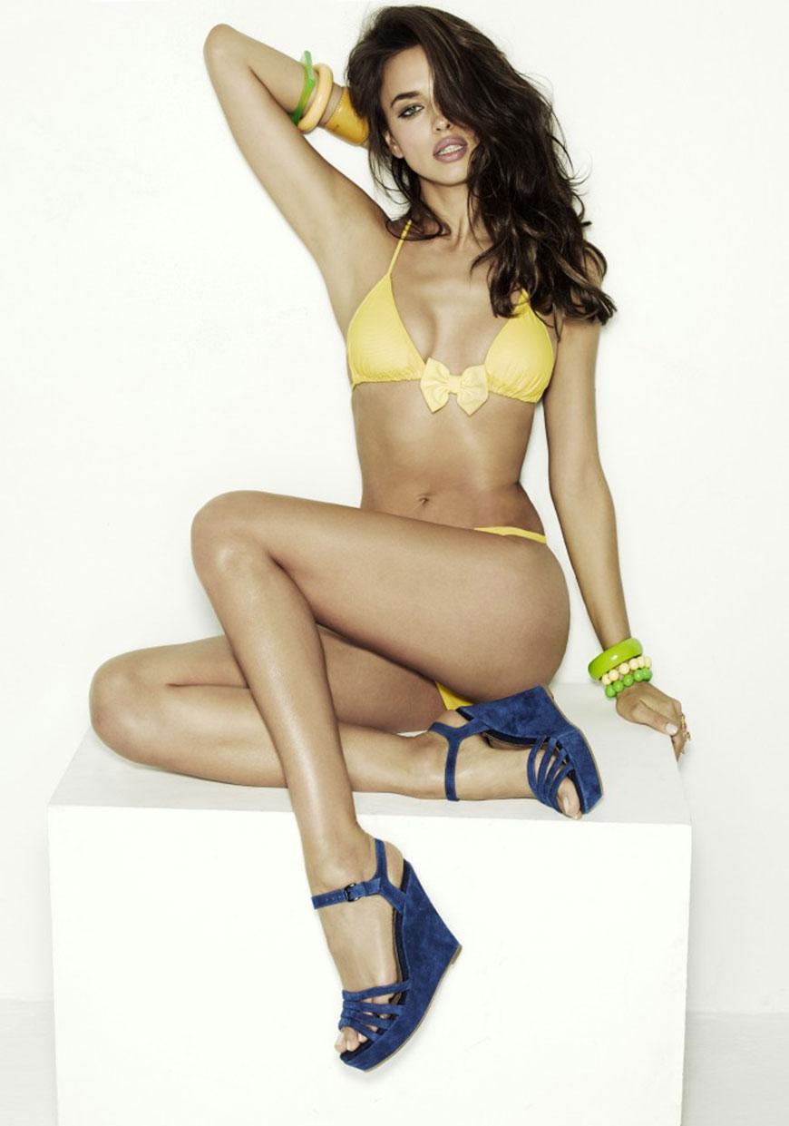 Irina Shayk sexy in bikini (14)