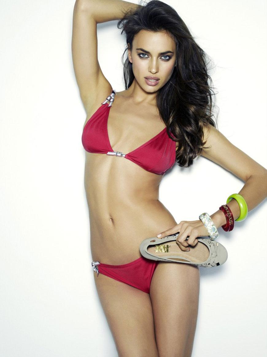 Irina Shayk sexy in bikini (13)