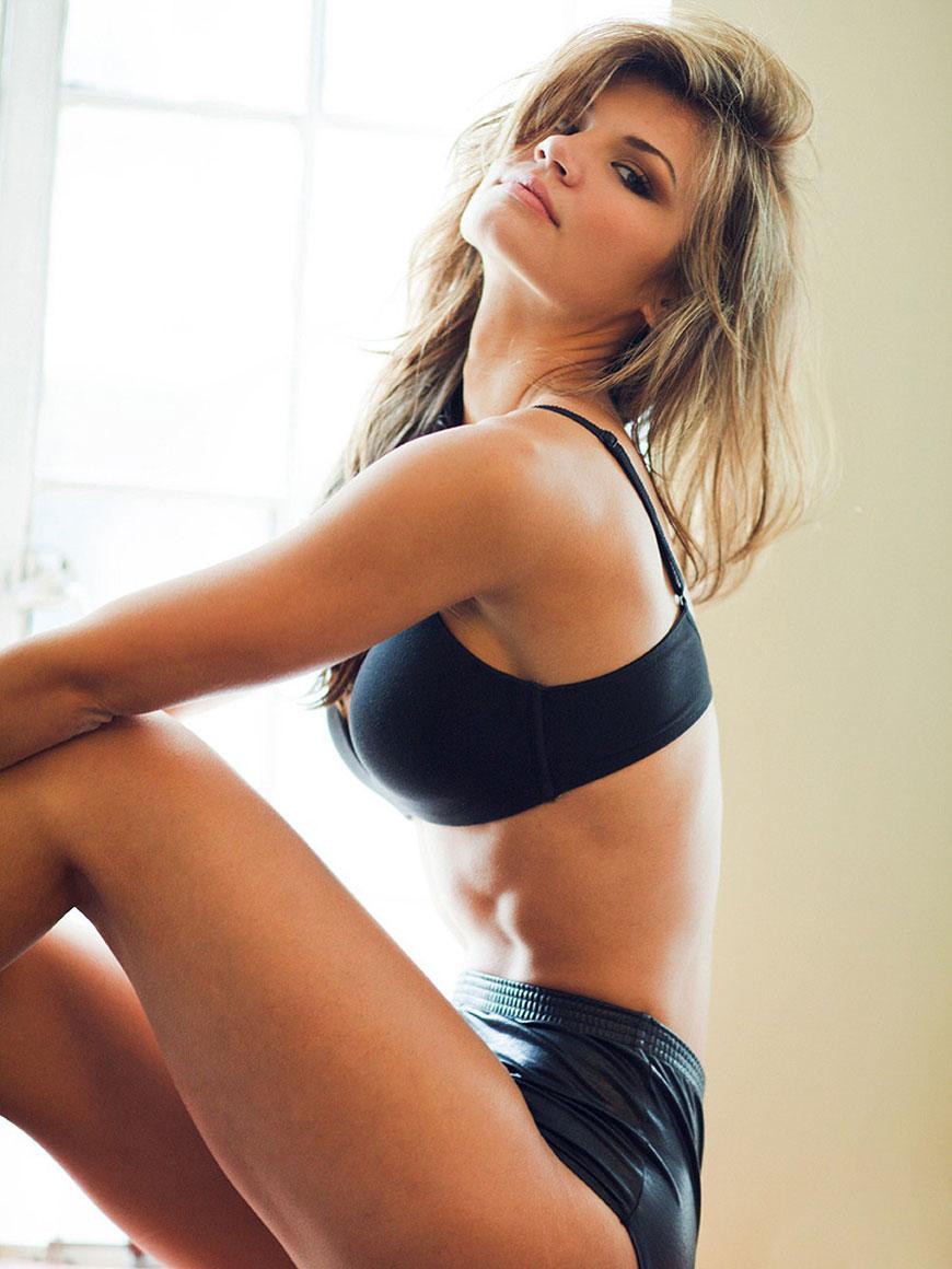 "Jessica Rafalowski - Esquire's ""Me In My Place"" (6)"