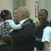 Trump bezoekt slachtoffers van orkaan Harvey in Houston