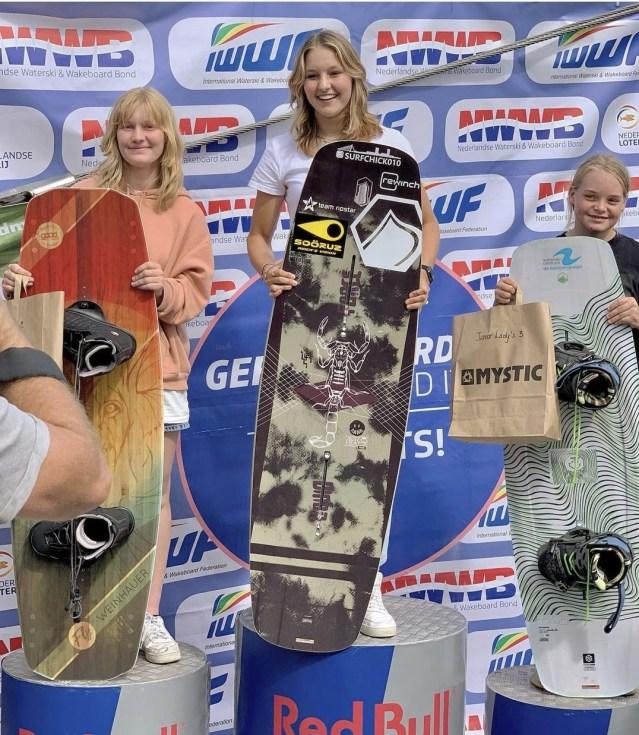 Fleur Stolk uit Nesselande Nederlands kampioen wakeboarden <18.