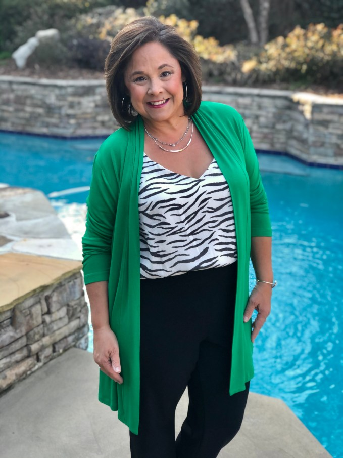 Creating a balanced and proportional outfit using color