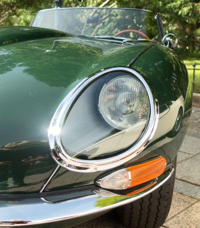 Jaguar E-Type 4.2 headlamp detail