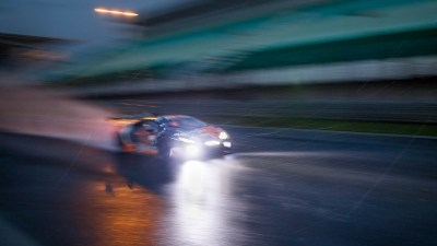 Lamborghini Huracan in the rain at night, Circuito Estoril