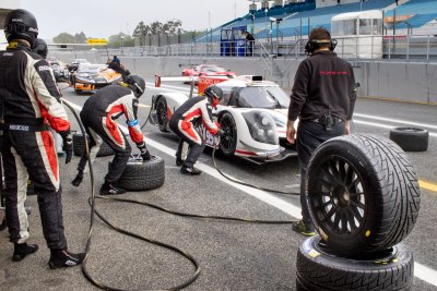 Ligier JSP3 pit stop and tyre change, VdeV Endurance Series