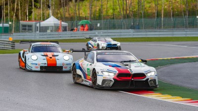 BMW M8 chased through Les Combes by a Porsche 911 and another BM