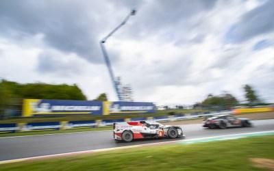 Toyota Hybrid LMP1 folows a Porsche into Malmedy.