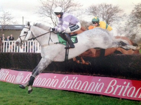 Thorne Farm Racing's Mister Wiseman winning at Utoxeter
