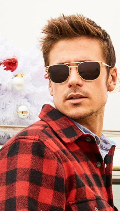 red-black-chequered-shirt-ray-ban