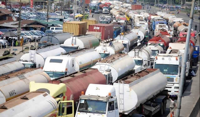 """""""Apapa traffic gridlock now claiming lives of our members"""" — feight forwarders cry out"""