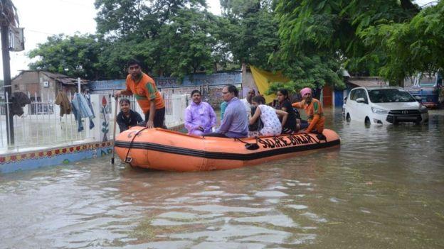 Flood: More than 100 dead in fresh India flood