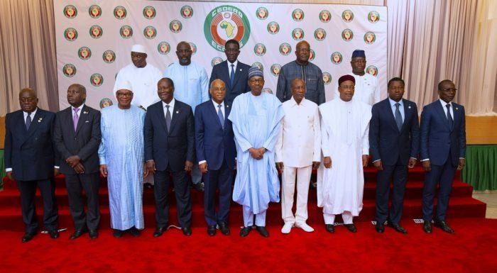 Cross border terrorism, Buhari advocates closer partnership