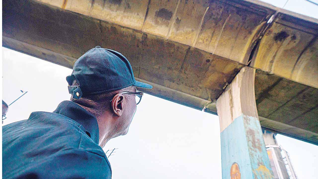 Lagos lists alternative routes– as FG shuts down Eko bridge to protect commuters