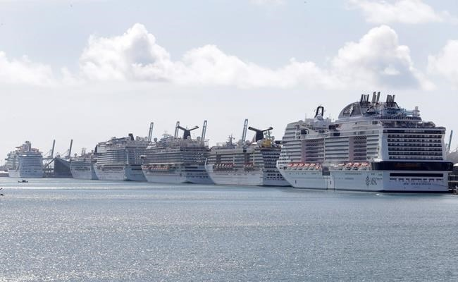 6,000 Thousand Cruise ship passengers stranded at Sea