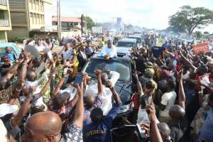 Photos Of Senate President, Bukola Saraki as He Returns Home After His Supreme Court Victory