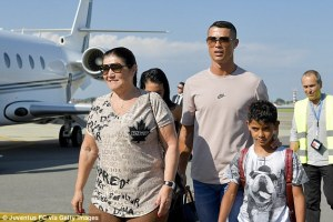 Cristiano Ronaldo Arrives Italy With Family Ahead of Juventus Unveiling (Photos)