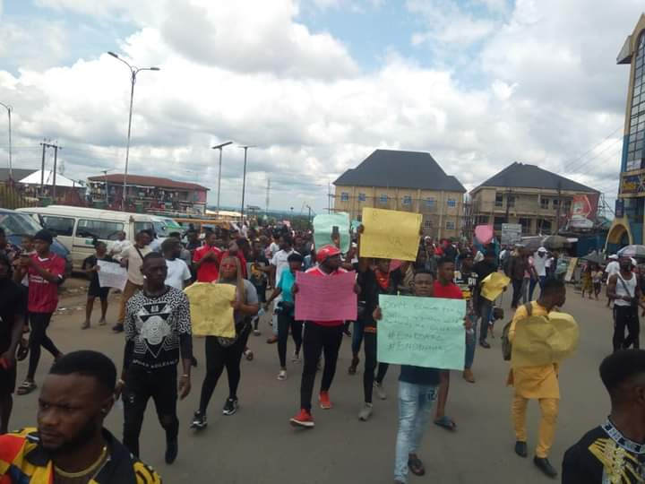 End SARS: Amb. Igbokwe Expresses Concern Over Ikpeazu's Poor Treatment of Youth Protest in Abia
