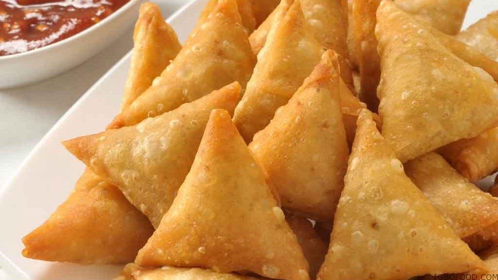 How To Make Samosa (Small Chops)