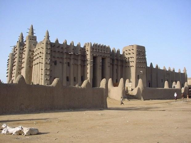 islamic-architecture-great-mosque-of-djenne-mali