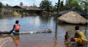 Imo Govt. Distributes Relief Materials To Oguta Flood Victims