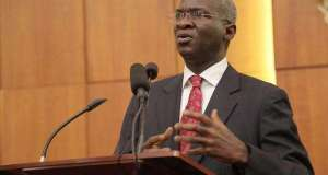 Fashola Announces Master Plan For Nigerian Roads, To Re-Introduce Tolls