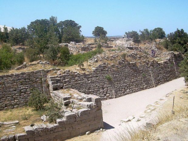 Walls_of_Troy-1024x768