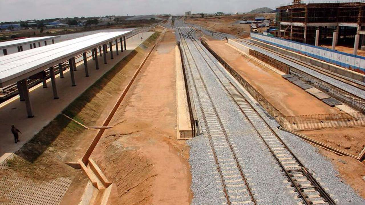FG give contractors deadline for Lagos-Ibadan rail project