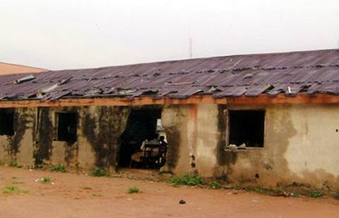 old students decried dilapidated school property