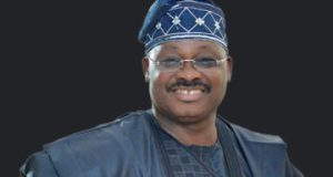 Ajimobi orders FG to refud Oyo state money