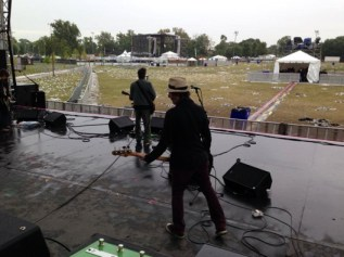 The band during a rainy Riot Fest Chicago 2013 soundcheck. Photo courtesy of paulwesterberg.net