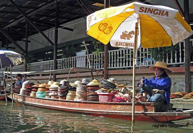 Floating Market Damnoen