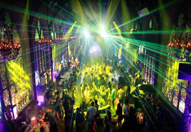 Discoclub Seminyak Mirror Lounge