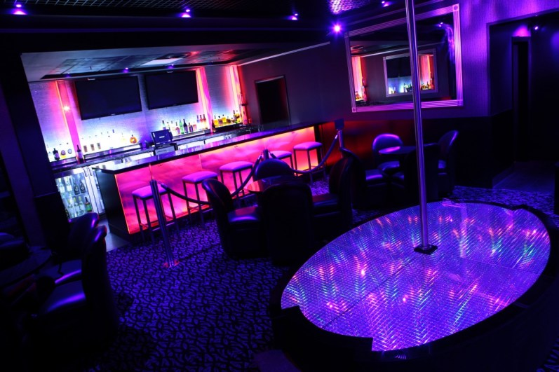 Night Trips Private Pluxh Bar $ Lounge