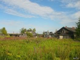 Дома в посёлке и в центре фото местное ноу-хау - двухэтажный парник