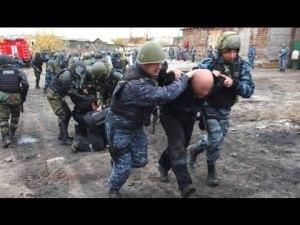 Лагерный барак после разгрома бунта в одной из колоний Хакасии. Видео
