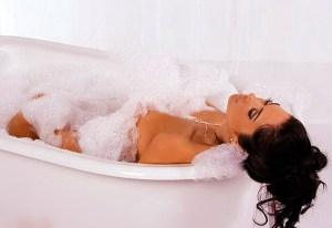 Как сделать стальную ванну бесшумной. Шумоизоляция монтажной пеной