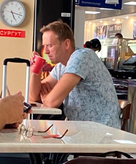 Кому может быть выгодно отравление Алексея Навального?