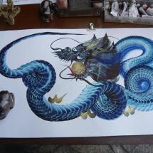 Unglaublicher Künstler zeichnet Drachen mit einem einzigen Pinselstrich
