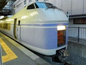 351系スーパーあずさ・塩尻駅