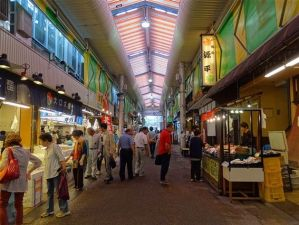 Le marché Omicho de Kanazawa