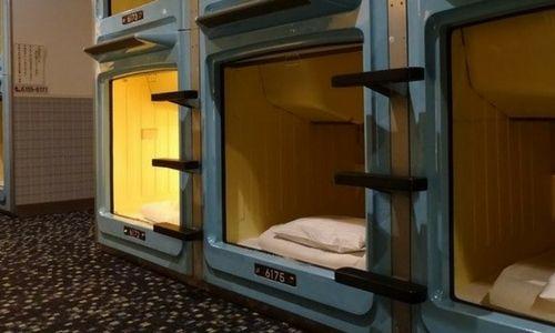 Dormir dans un capsule hôtel