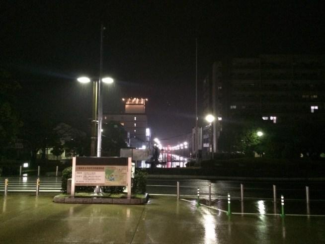 橿原神宮前駅の出たところ